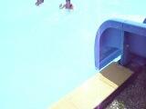 мы с янкой катаемся с горок в аквапарке